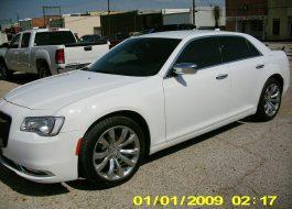 2018 Chrysler 300 Limited White - Fred Pilkilton Motors - Denison Texas